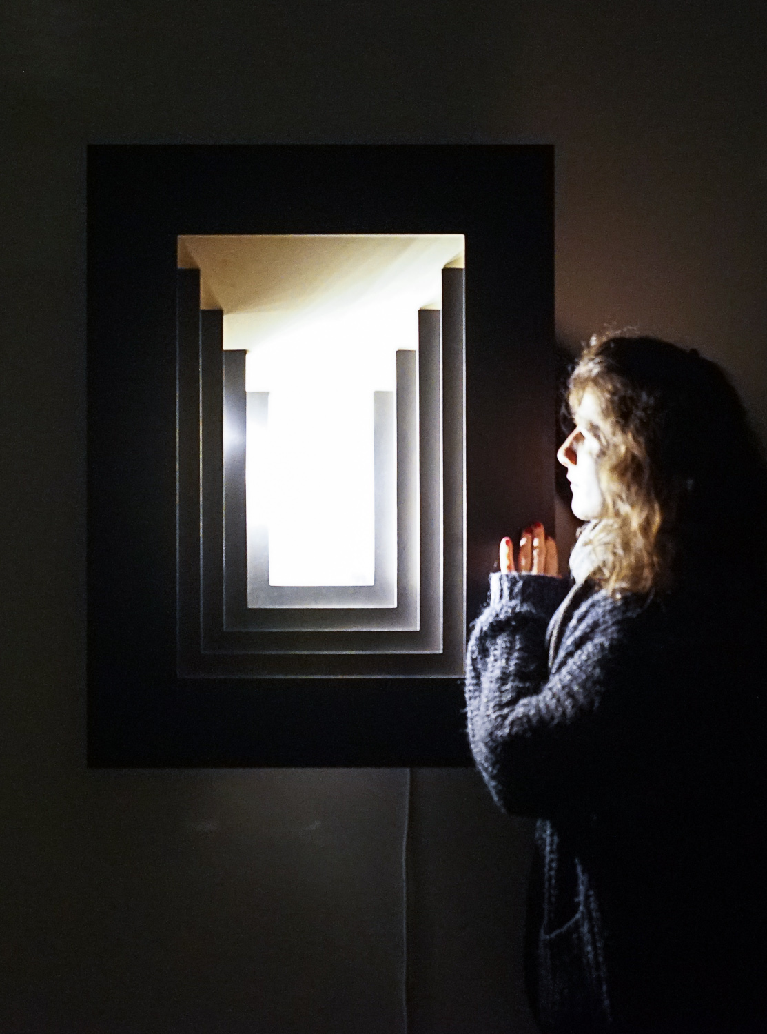siba sahabi with her lamp perspectives